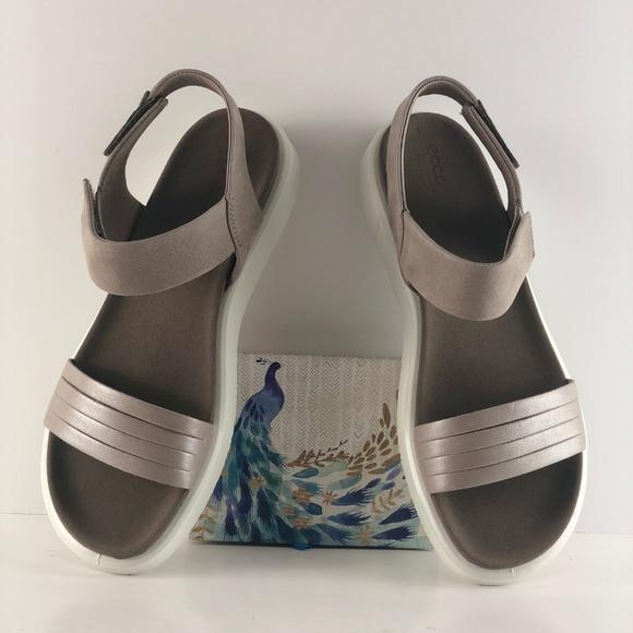 ecco w flat sandal